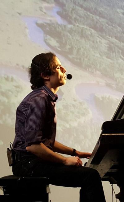המופע ליום האהבה / הפסנתר מאוהב